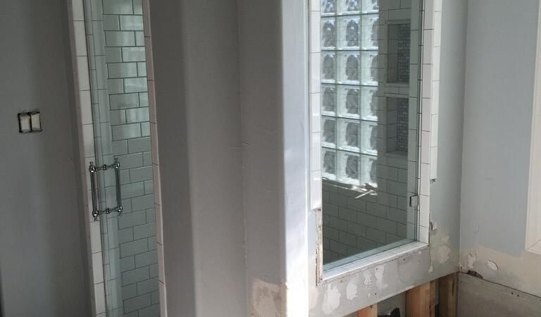 Frameless with Mini Tub 1