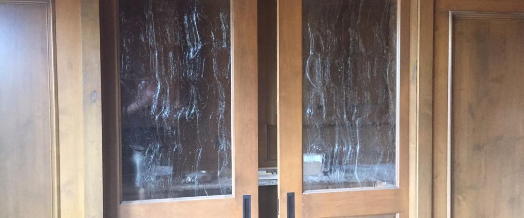 Baroque Seeded Glass In Pocket Doors In Study 1 Dfw Bath