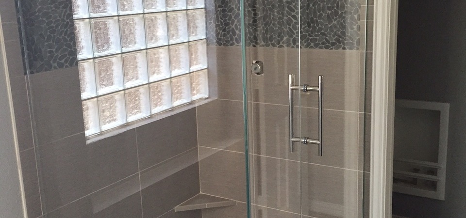 Frameless Shower with Half Top Glass