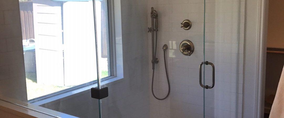 Large simple frameless shower